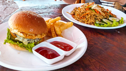 Burger and Nasi Goreng for lunch at the Krusty Krab in Nusa Penida, Bali, Indonesia