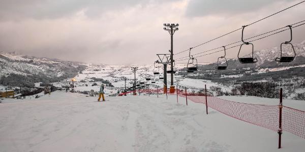 Snowboarding in Ishiuchi Maruyama, Japan