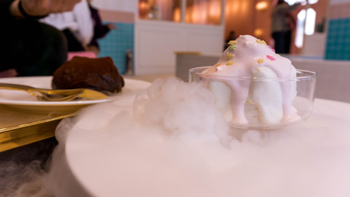 Snow mountain cake at Instagrammable café Stylenanda Pinkpoolcafé in Seoul, Korea